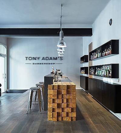 Barber Shop in Prag von Oooox