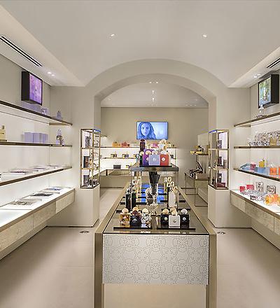 Parfümerie in Mailand von JHP Design