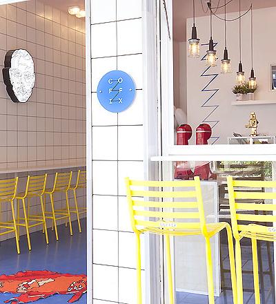 Café Coffix in Athen von Studiomateriality