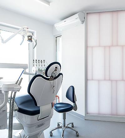 Zahnarztpraxis in Suchy Las von Adam Wiercinski