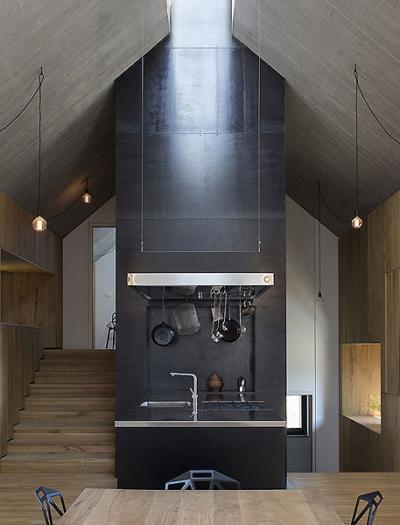 Chimney House in Logatec von dekleva gregoric architects