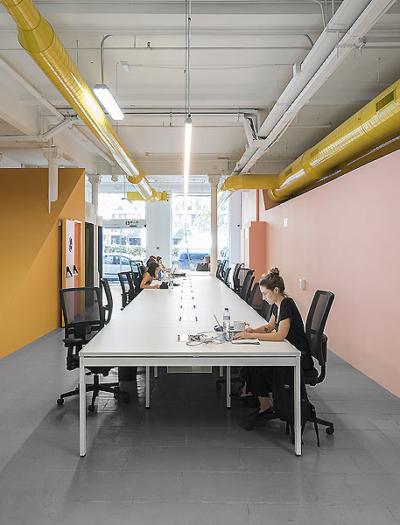 Büro in Barcelona von Colombo and Serboli Architecture