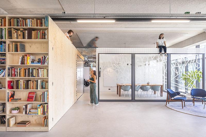 Büro in Amsterdam 01