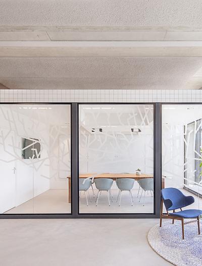 Büro in Amsterdam von Standard Studio