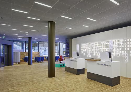 Neue Aargauer Bank in Baden 01