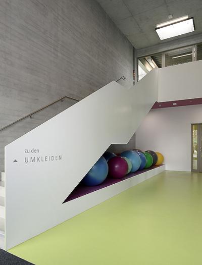 Sportzentrum in Althengstett von Drei Architekten