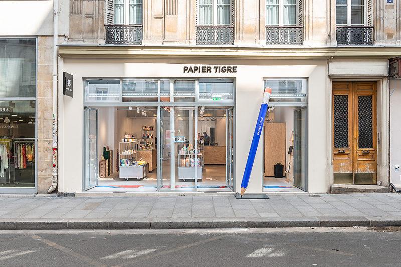 Showroom in Paris 01