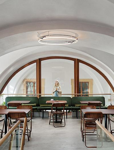 Café Konvikt in Olmütz von Denisa Strmiskova Studio