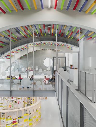 Kindergarten und Nachbarschaftszentrum in Mailand von Labics