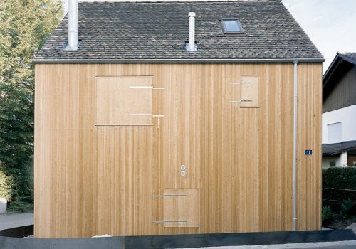 Kleines Haus in Jonschwil, Schweiz 01