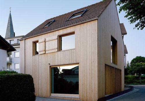 Kleines Haus in Jonschwil, Schweiz 02