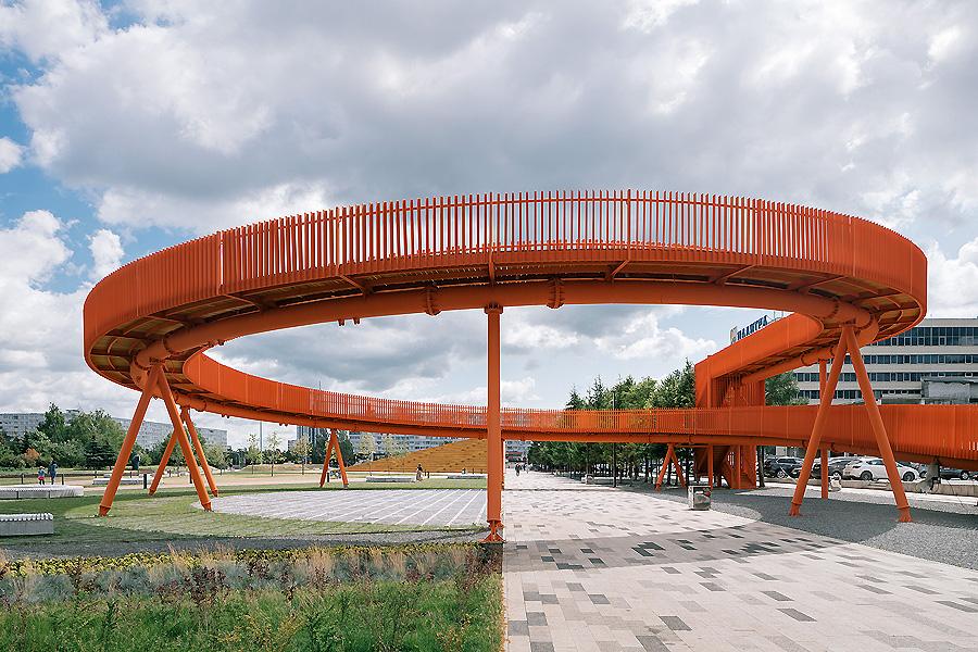 Azatlyk Square in Nabereschnyje Tschelny 06