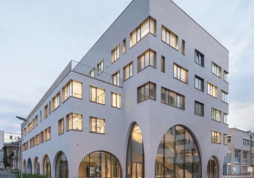 Institutsgebäude für Pharmazie in Salzburg 01