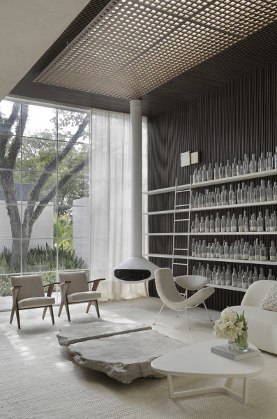 Dendé Duratex House in Sao Paulo 01