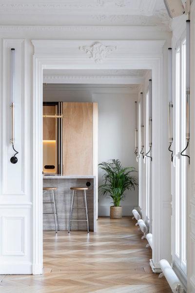 Wood Ribbon Apartment in Paris 01