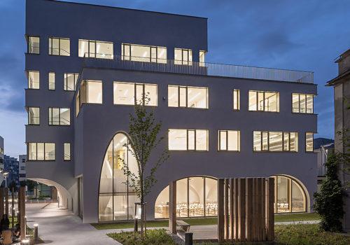 Institutsgebäude für Pharmazie in Salzburg 09