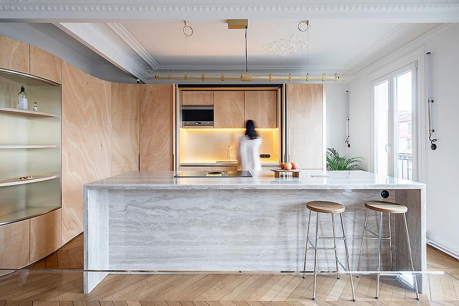 Wood Ribbon Apartment in Paris von Toledano + Architects