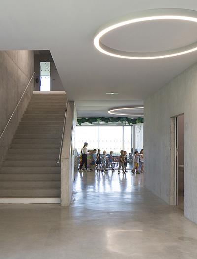 Schule in Gidy von Dominique Coulon & Associés