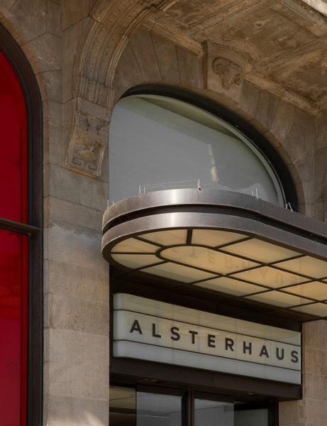 Alsterhaus Mens Department in Hamburg 01