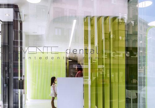 Zahnarztpraxis in Madrid 01