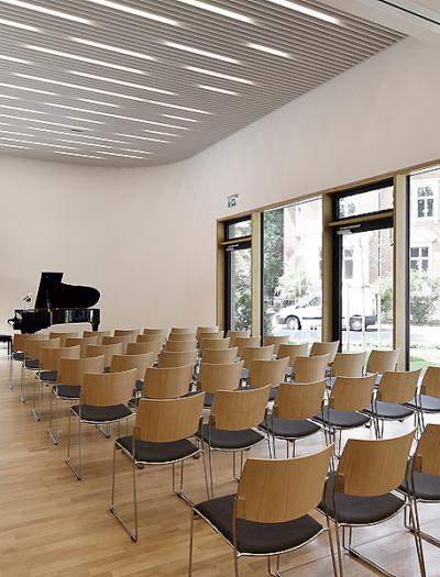 Gemeindezentrum der Erlöserkirche in Bonn von Deen Architekten