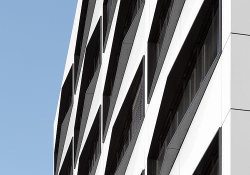 Büro- und Geschäftshaus in Berlin 04