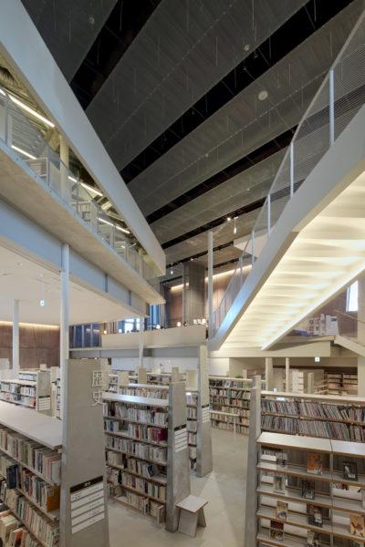 Neue Stadtbibliothek in Matsubara 01