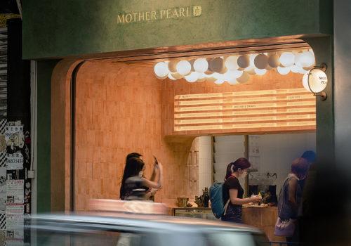 Mother Pearl in Hongkong 01