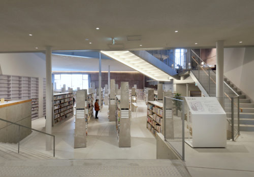 Neue Stadtbibliothek in Matsubara 02