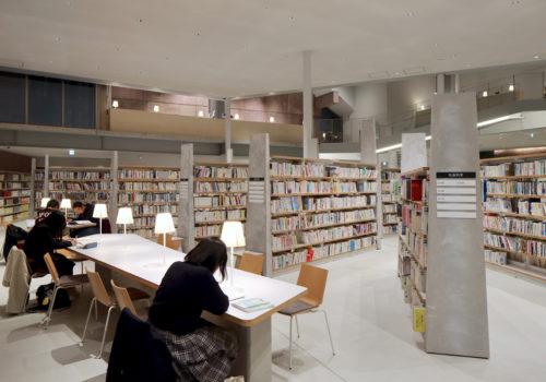 Neue Stadtbibliothek in Matsubara 07