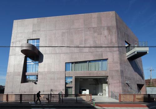 Neue Stadtbibliothek in Matsubara 11