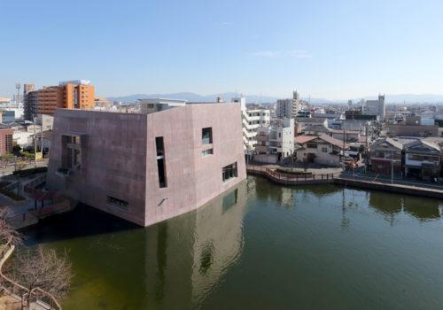 Neue Stadtbibliothek in Matsubara 16