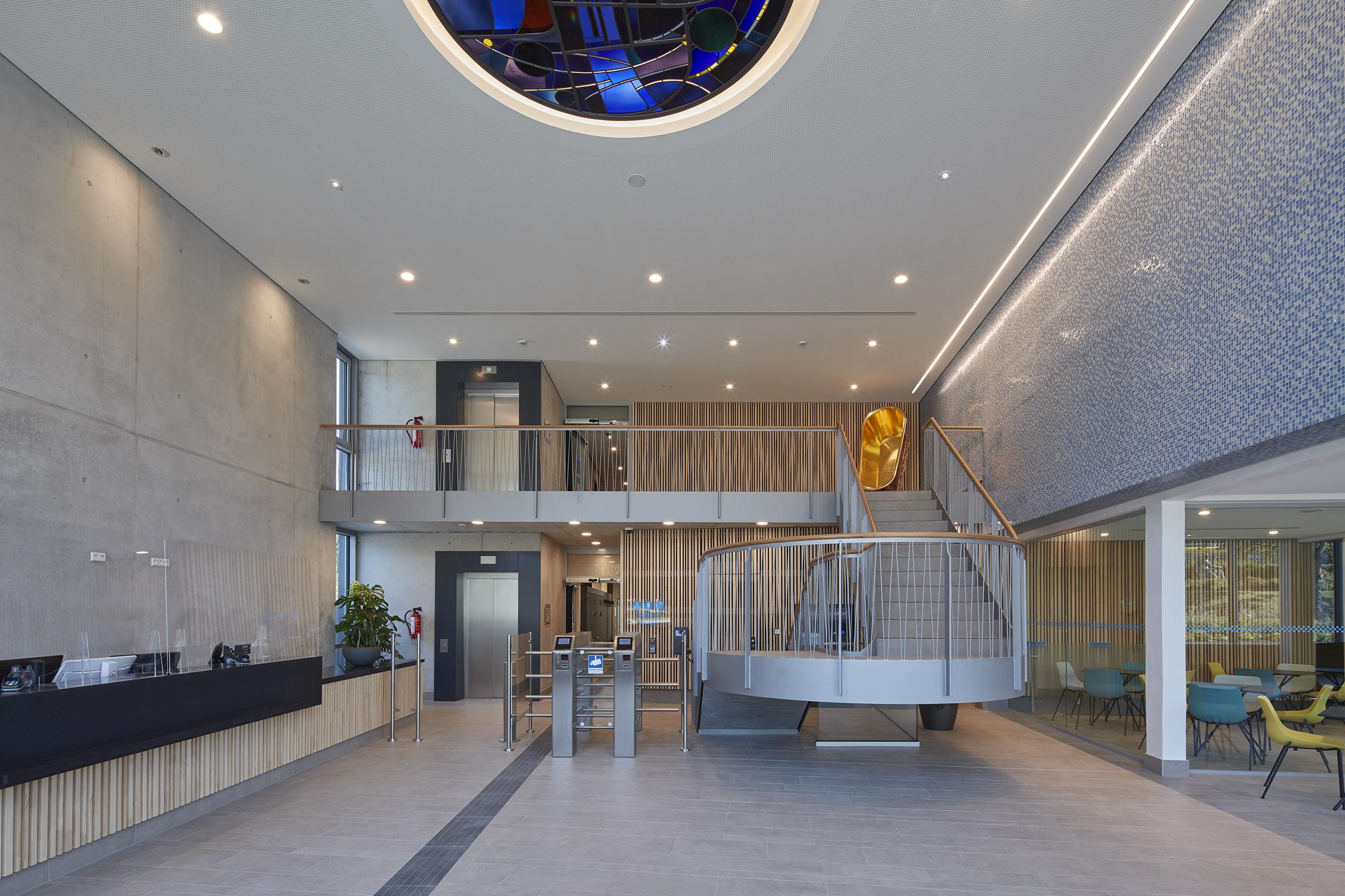 Sanierung eines Schwimmbads in Stuttgart von 4a Architekten