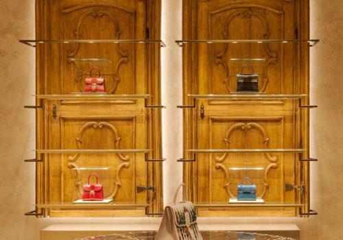 Delvaux Boutique in Paris 07
