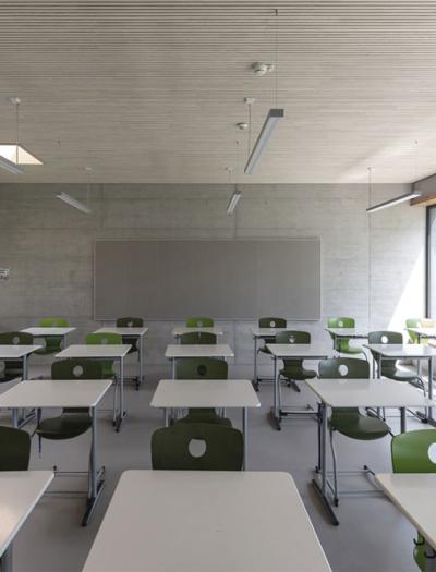 Sanierung und Erweiterung eines Schulgebäudes in Mengen von Dasch Zürn + Partner
