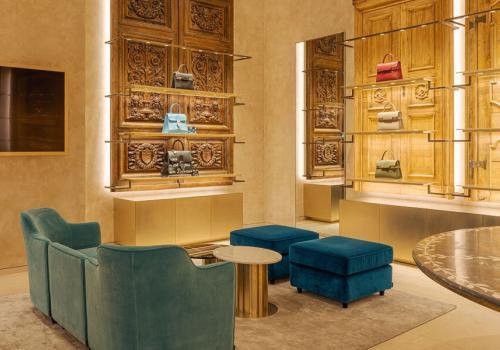 Delvaux Boutique in Paris 12