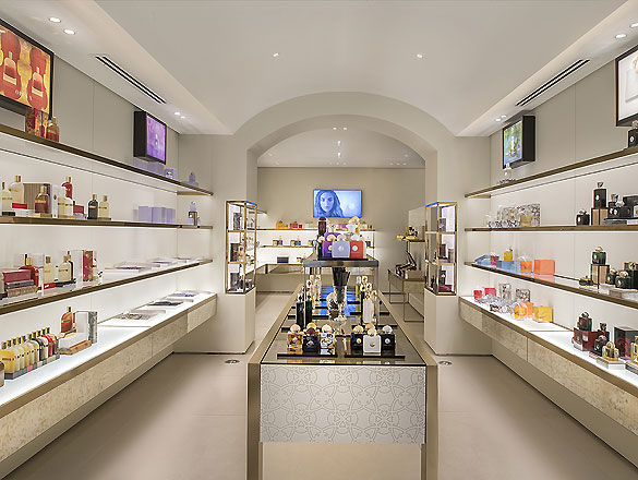 Parfumerie Mailand 01