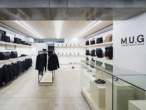 M.U.G. Flagship-Store 04