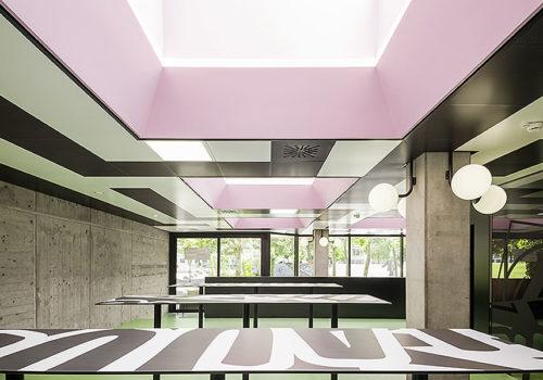 Cafeteria Contrast 04