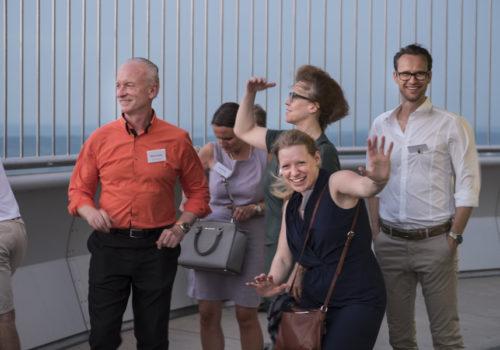 Auf der Aussichtsplattform: Manuel Schupp (Orange Blue), Corina Steng, Dr. Petra Kiedaisch, Anne-Dörte Schmidt (Geberit) und Andreas Steng (Steng Licht)