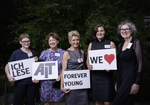 BDIA-Damen: Cathrin Urbanek, Ursula Mayer, Claudia Schütz, Pia Döll und BDIA-Präsidentin Vera Schmitz