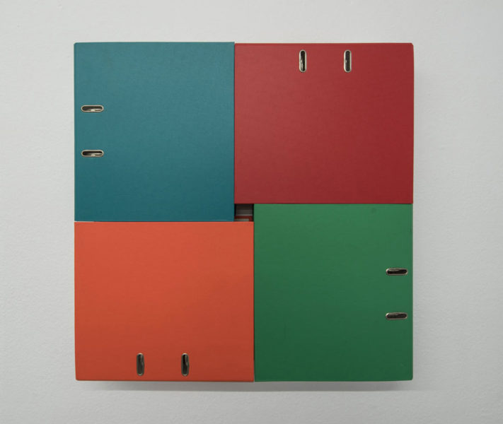 Beat Zoderer: Departement Nr. 0/93, 1993, vier Aktenordner kombiniert VG Bild-Kunst, Bonn 2018; Foto: Hubert P. Klotzeck