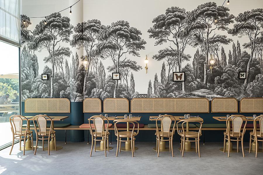 Brasserie in Aix en Provence von Margaux Keller