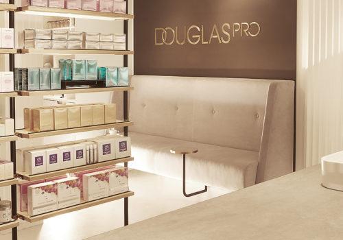 Douglas Pro Store in Hamburg 03