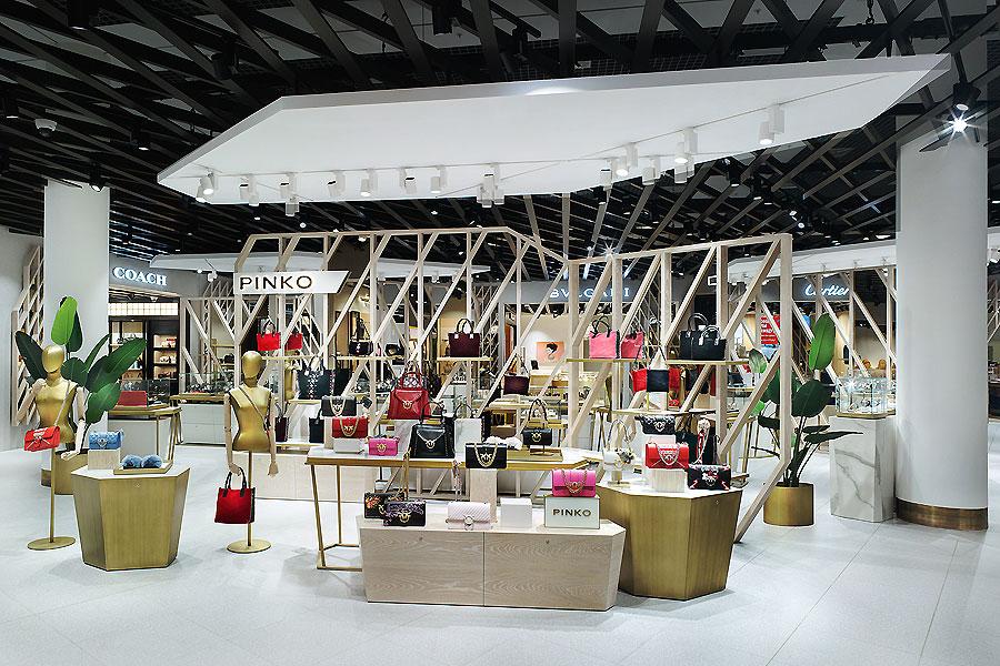 Multibrand Store am Flughafen in Moskau 1