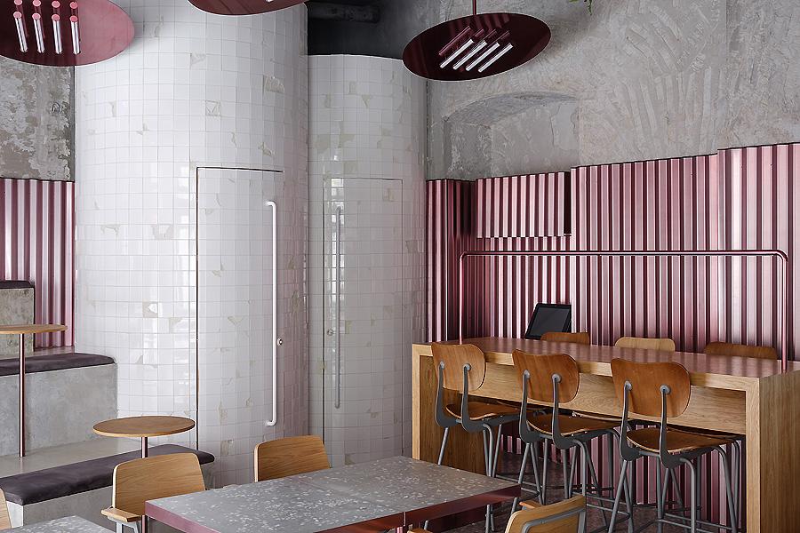 Pastrami Bar in Moskau von Crosby Studios
