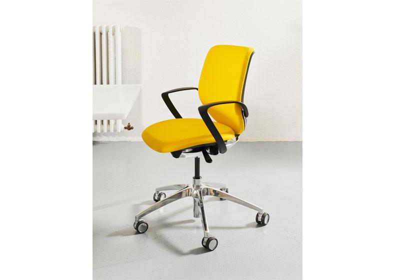 AIT-Produkttest – jetzt bewerben! giroflex 313 - Bürostuhl von Giroflex by Flokk