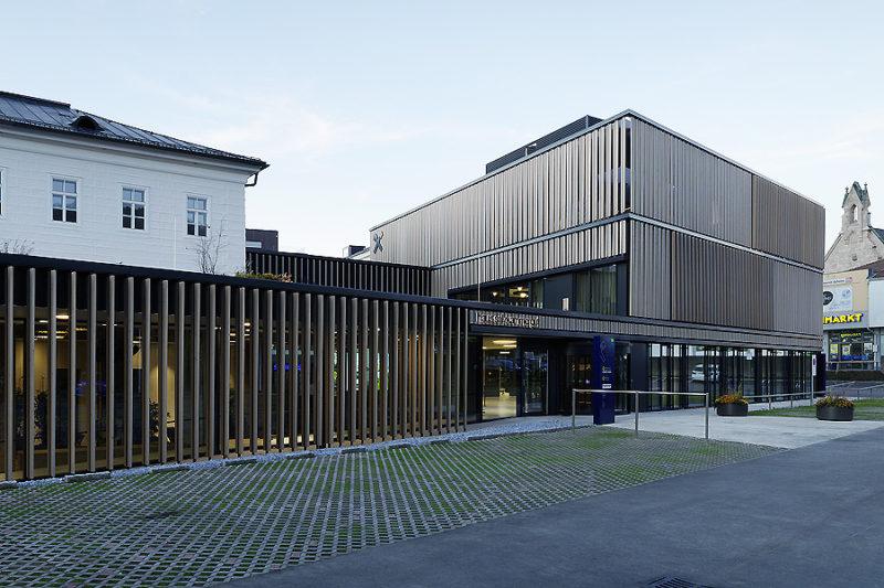 Raiffeisenbank in Gmunden 01