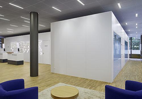 Neue Aargauer Bank in Baden 02